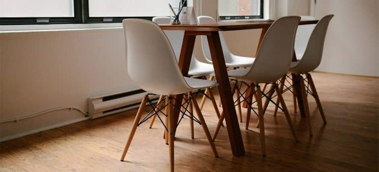 A dining room table and chairs.