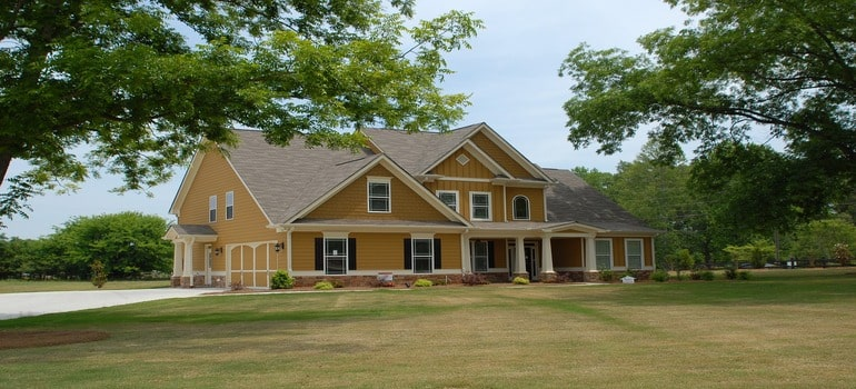 moving from Nolensville to Spring Hill - a first floor house