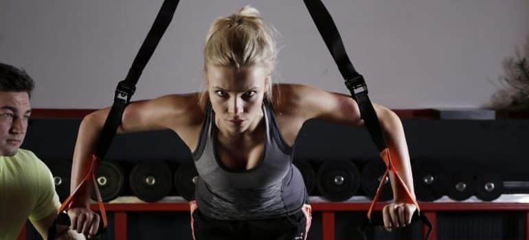 adult-athlete-body-bodybuilding